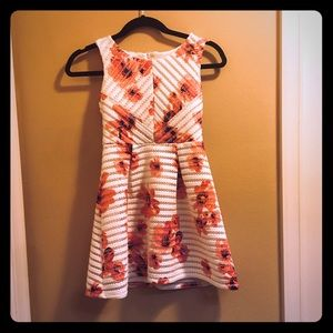Size 10 girls dress. Suitable for formal wear